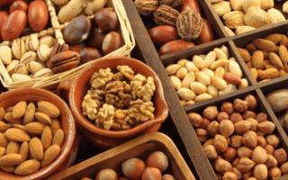 Орехи от запоров: какие помогут, какие нет?